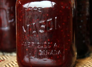 raspberry with blackberry jam - mason jar