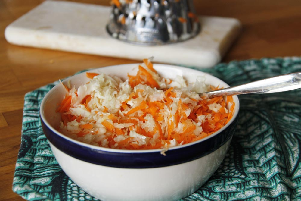 carrot and cabbage coleslaw for pulled pork sandwich