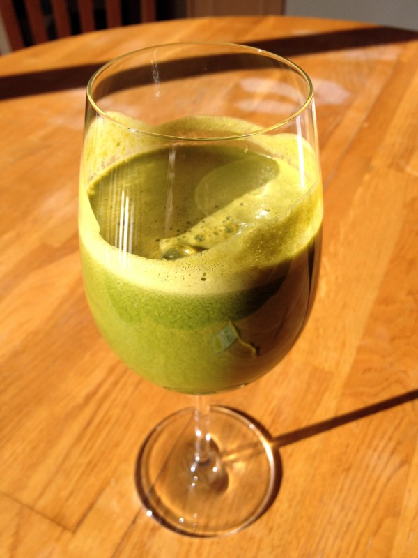 Kale, apple, parsley, carrot, mint, lime juice