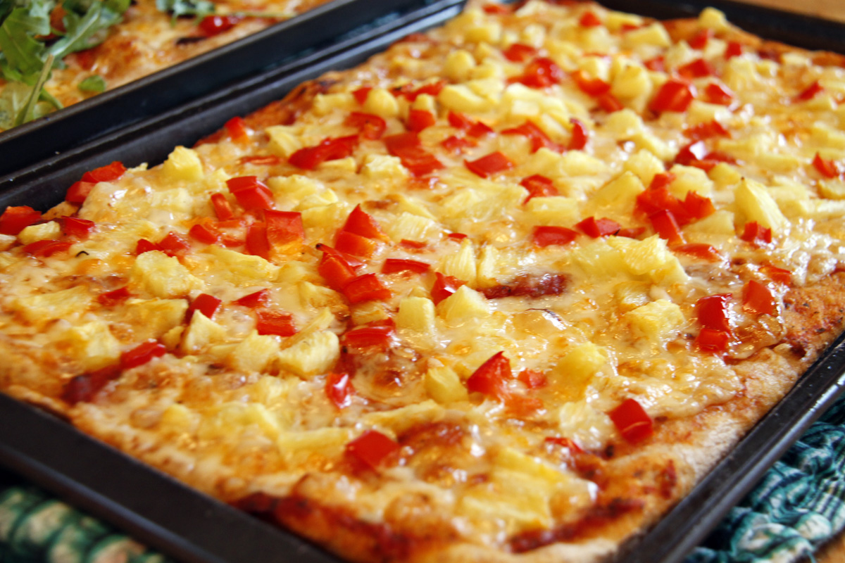 how to make pineapple pizza