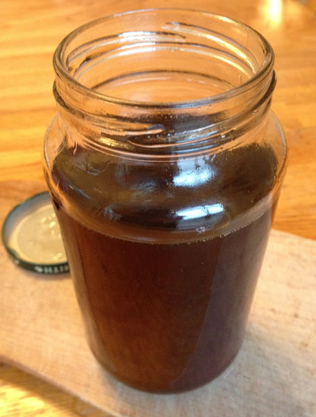 diy maple syrup in jar